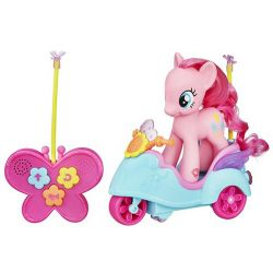 My Little Pony Pinkie Pie's R/C Scooter Mer information kommer snart.