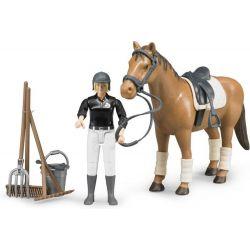 Bruder World Ryttare Beatrice med häst och stalltillbehör 62505