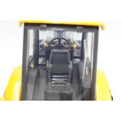 NewRay Radiostyrd Traktor Volvo traktorgrävare i skala 1:18