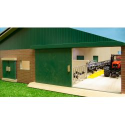 Kids Globe cow shed with milking parlour 75x60x26,5cm, 1:32